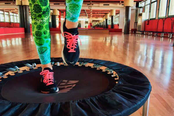 bodyjump-qwellness-fitness-gimnasio-economico-piscina-natacion-pilates-yoga
