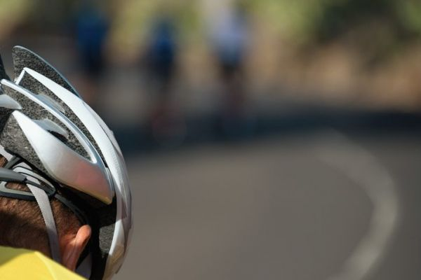 Detail cyclist helmet