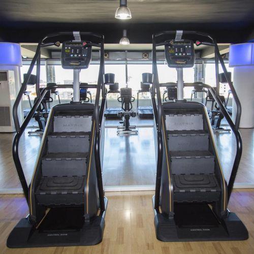fitness-gimnasio-qwellness-yoga-pilates-boxeo-entrenador-personal