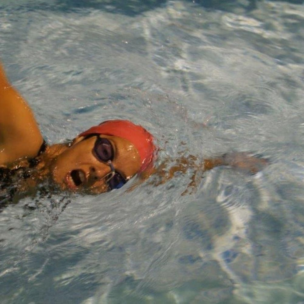 natacion-adultos-qwellness-fitness-piscina1.png