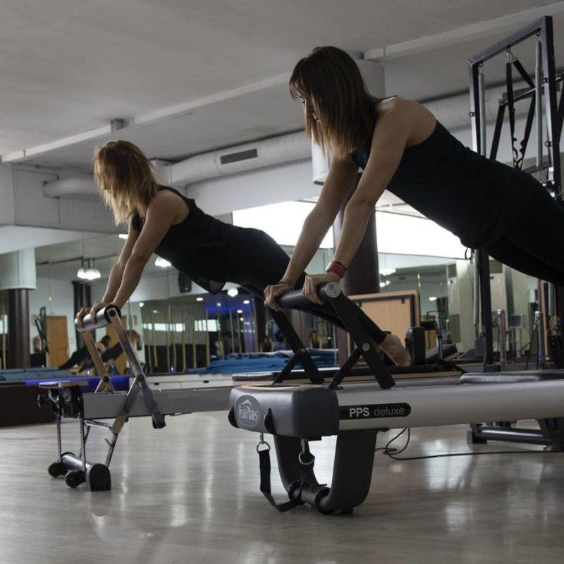pilates-reformer-qwellness-gimnasio-sabadell-yoga1