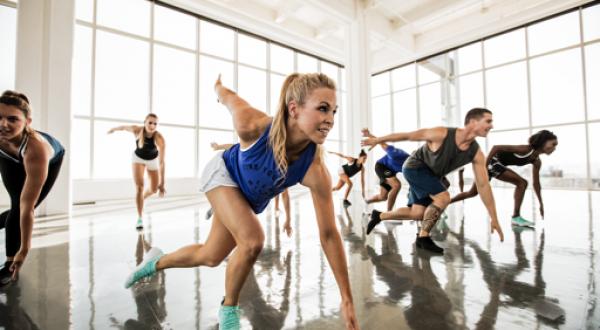 qwellness_gimnasio_fitness_sabadell_bodyattack_lesmills