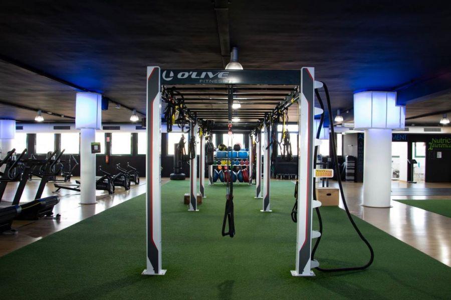 qwellness_gimnasio_fitness_sabadell_pesas
